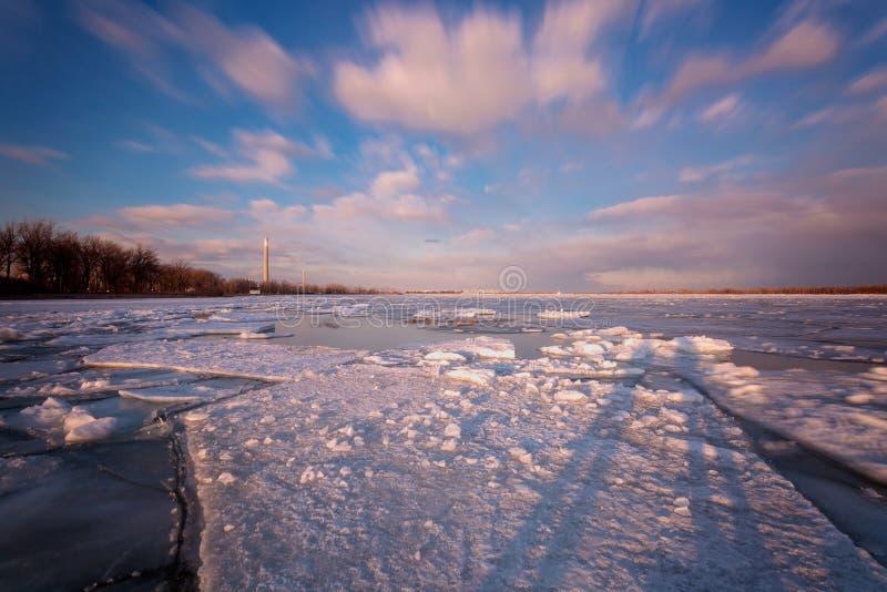 Torontos Cherry Beach während des Winters stockfotografie