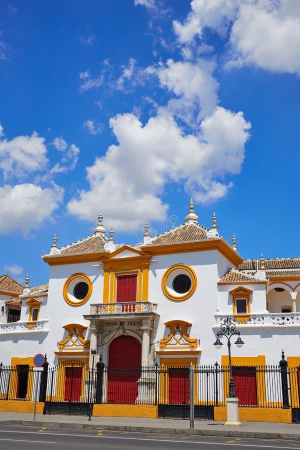 Toros Sevilha da plaza da praça de touros de Sevilha Maestranza imagem de stock