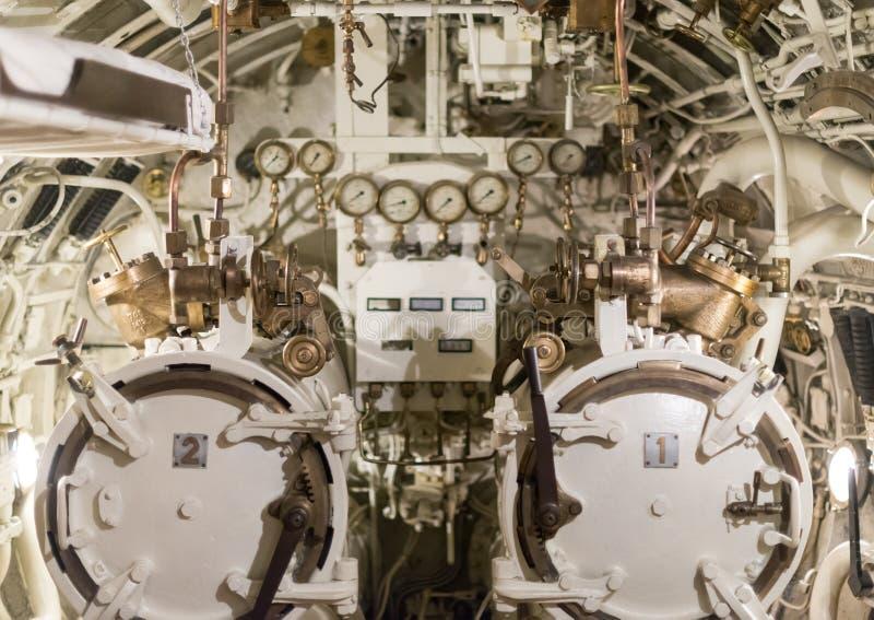 Torpedoruimte in onderzeeër stock afbeelding