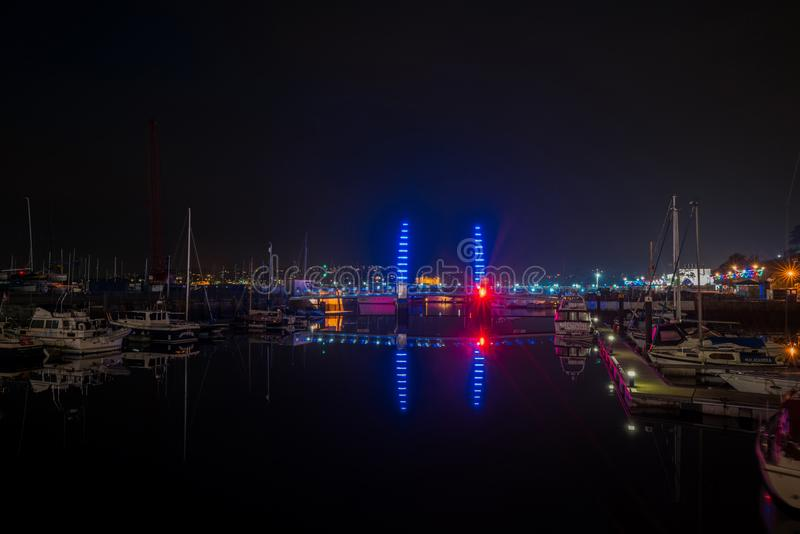 Torquay-Hafen nachts stockbilder