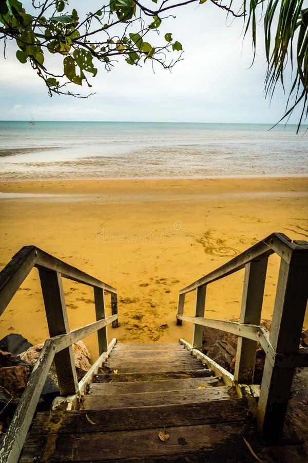 Torquay-Treppe zum Strand in Hervey bellt in Queensland, Australien stockbild