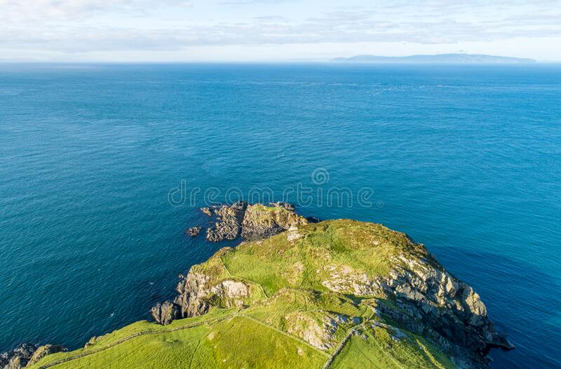 Torr Head Headland na Irlanda do Norte, Reino Unido foto de stock