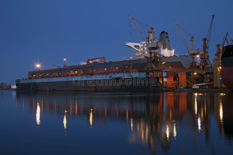 torr natttankfartyg för dock fotografering för bildbyråer