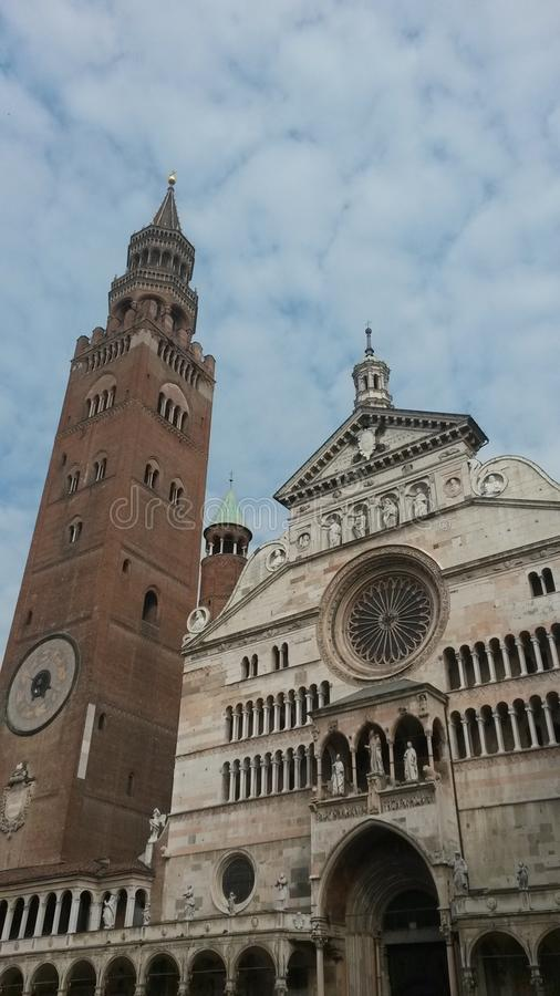 Torrazzo Duomo e стоковое изображение rf