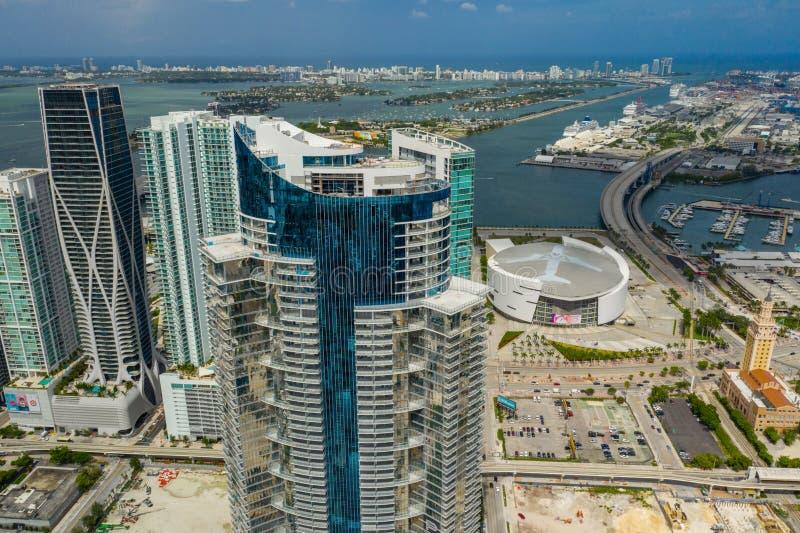 Torre aérea do worldcenter de Miami Paramount da foto perto da conclusão imagens de stock