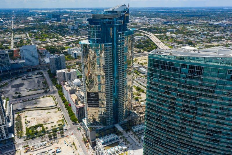 Torre aérea Miami Worldcenter de Paramount da foto fotografia de stock