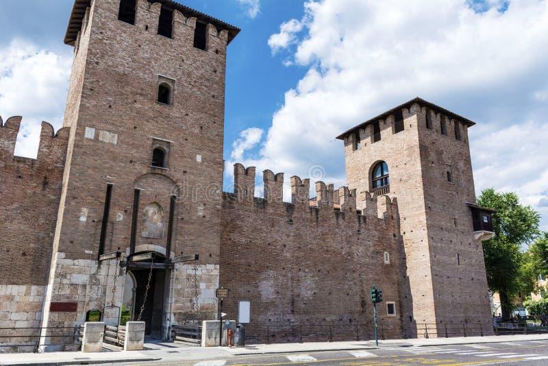 Torre Abbaziale di San Zeno - Verona Italia imagenes de archivo