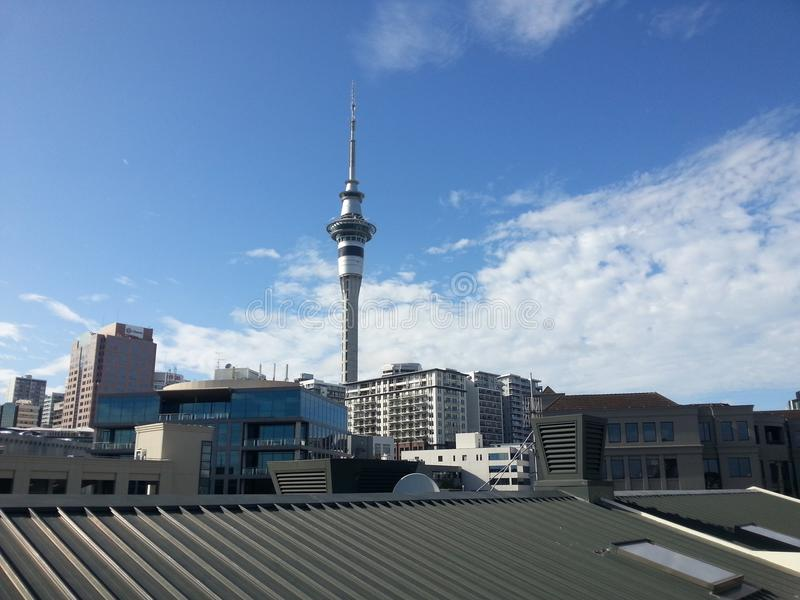 Torre Auckland Nuova Zelanda del cielo immagini stock