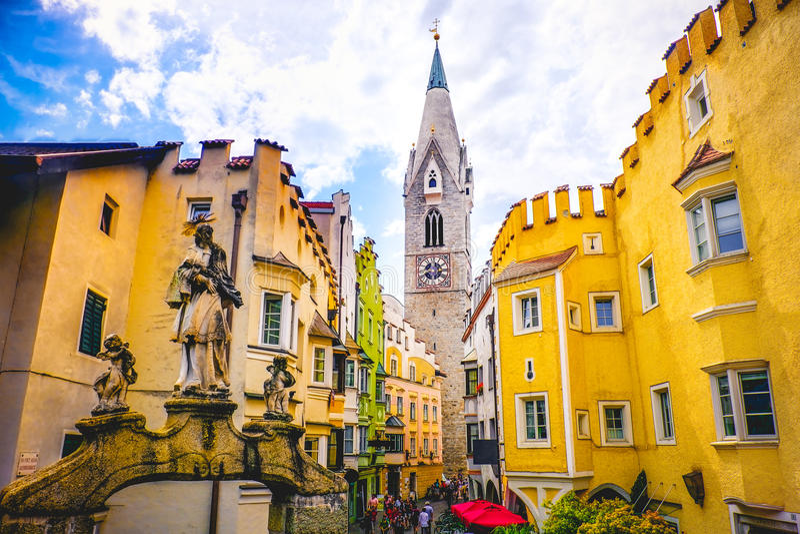 Torre Bianca de Bressanone Brixen - Tyrol du sud - Bozen Bolza photo stock