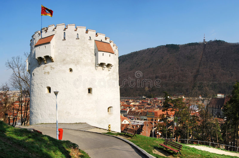 Torre blanca, Brasov, Rumania imagenes de archivo