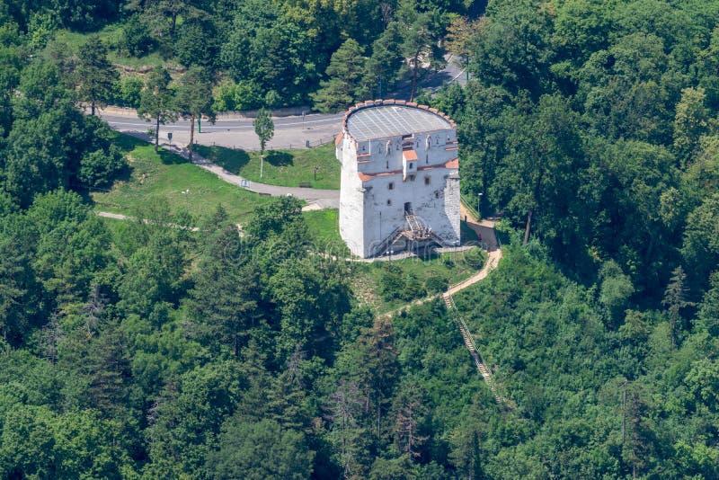 Torre blanca de Brasov vista desde arriba Rumania del centro de ciudad del â de Brasov viejo fotos de archivo libres de regalías