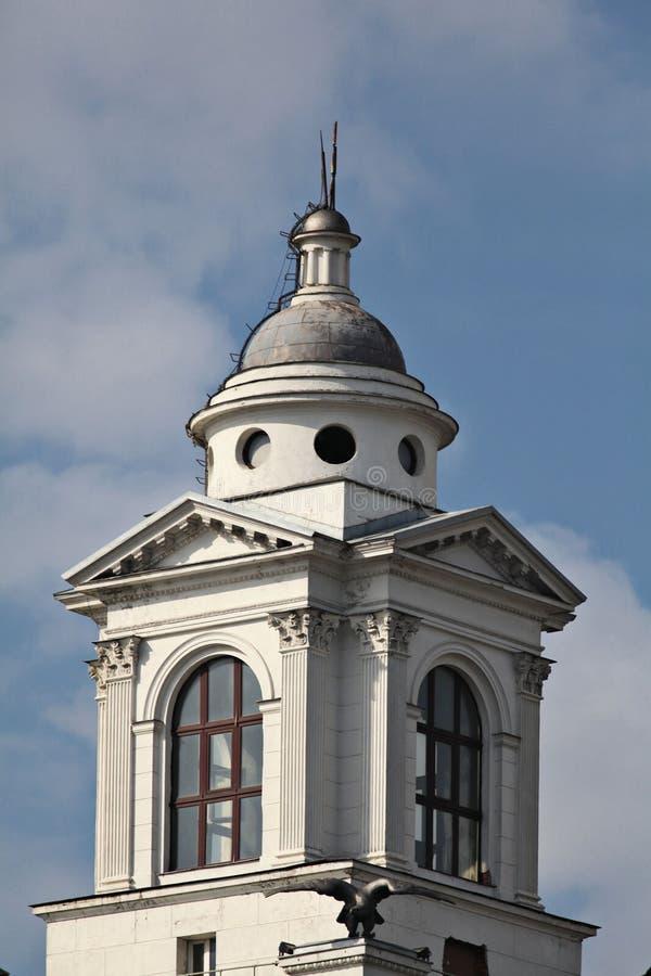 Torre blanca grande de Rusia del paisaje urbano imágenes de archivo libres de regalías