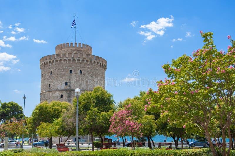 A torre branca Lefkos Pyrgos na margem em Tessal?nica Maced?nia, Gr?cia imagens de stock royalty free