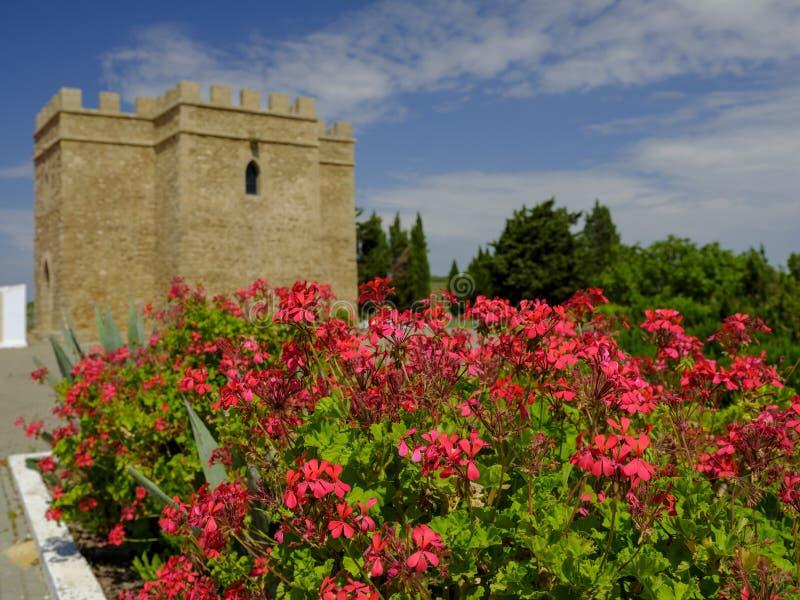 Torre Castillo de dona BLANCA e jardins imagem de stock royalty free