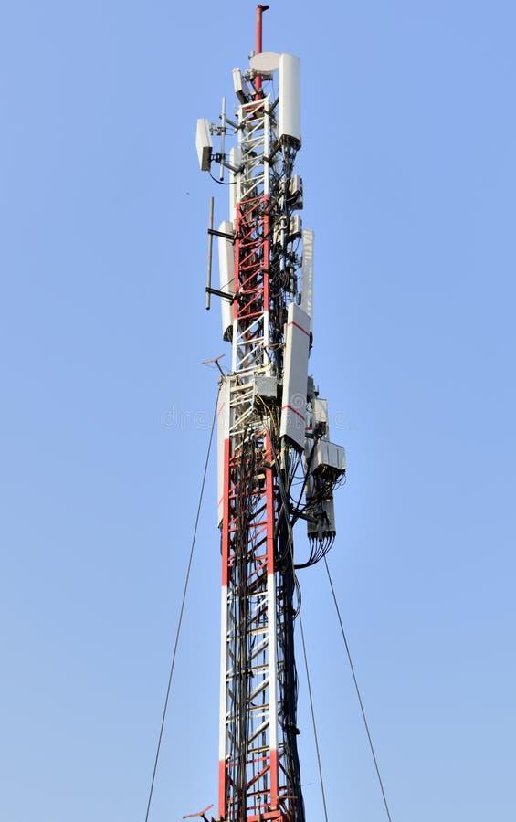 Torre celular do telefone celular fotos de stock royalty free