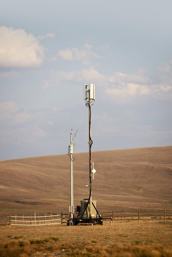 Torre celular móvil fotografía de archivo libre de regalías