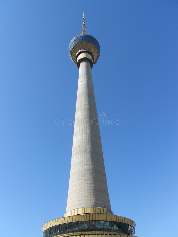 Torre central de la televisión imagen de archivo libre de regalías