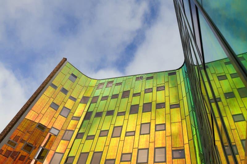 Torre colorida em chamas, Países Baixos do escritório imagem de stock royalty free