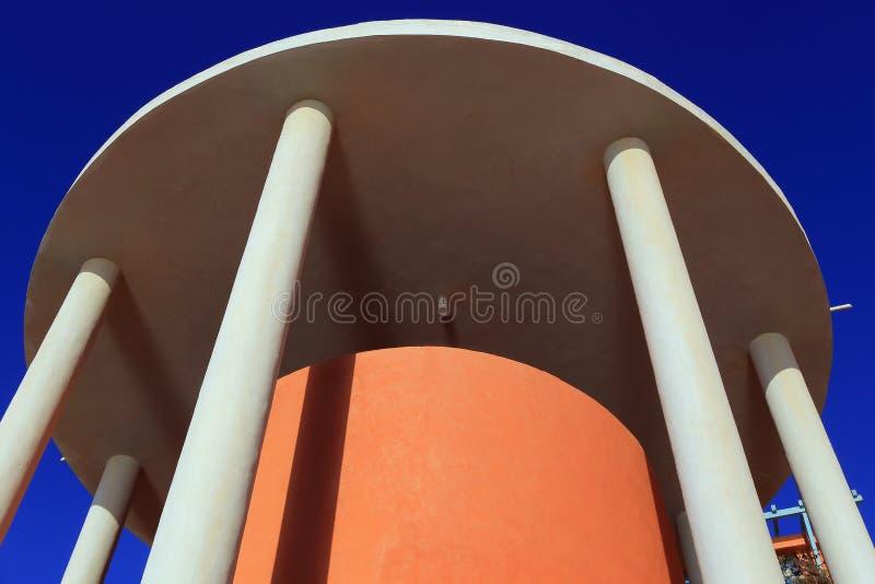Torre com colunas imagem de stock royalty free