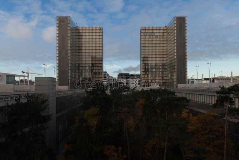 Download Torre Da Biblioteca Nacional Nova F Mitterand Em Paris Foto de Stock Editorial - Imagem de famoso, centro: 107525623