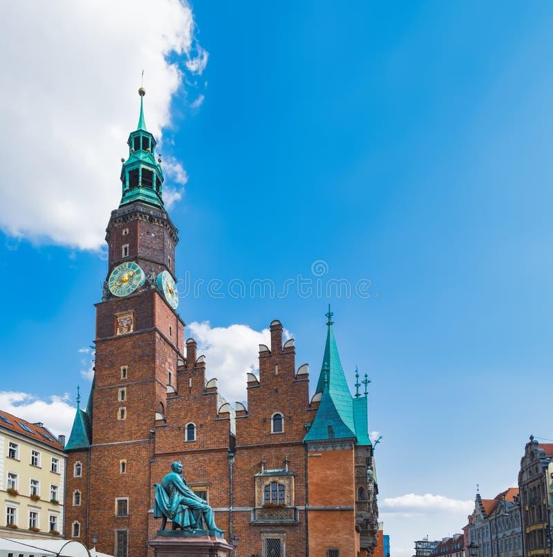 Torre da câmara municipal de Wroclaw, Polônia imagens de stock