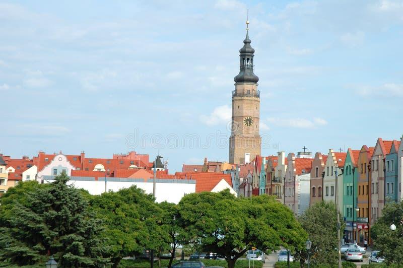 Torre da câmara municipal e outras construções em Glogow, Polônia fotografia de stock royalty free