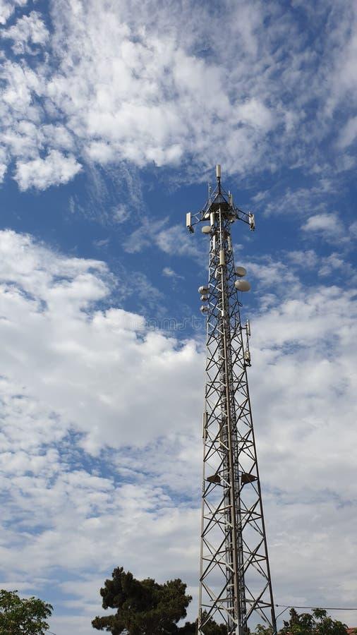 Torre da estação base do operador móvel da G/M imagem de stock royalty free