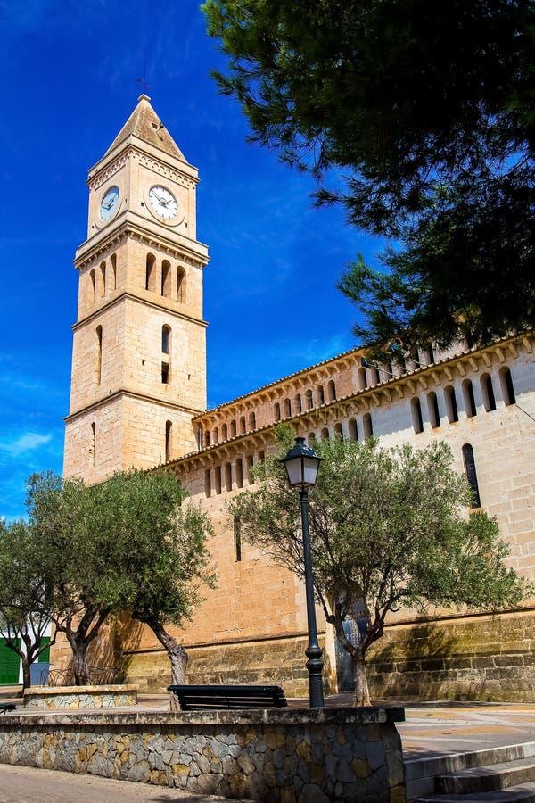Torre da igreja em Porto Cristo fotos de stock royalty free
