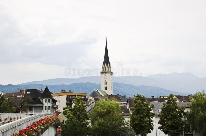 Torre da igreja paroquial de Villach, Carinthia, Áustria imagem de stock royalty free
