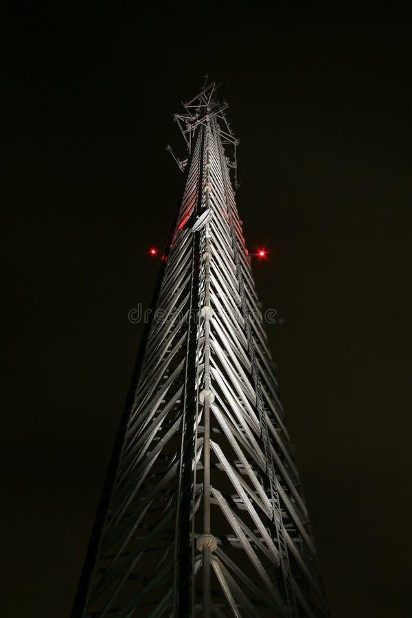 Torre da pilha na noite fotografia de stock royalty free