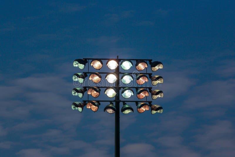 Torre da ponto-luz do estádio imagem de stock