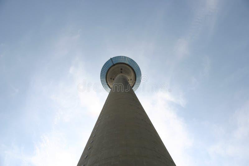Torre da tevê de Dusseldorf rhine imagens de stock royalty free