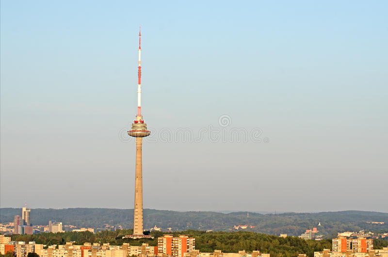 Torre da tevê em Vilnius foto de stock