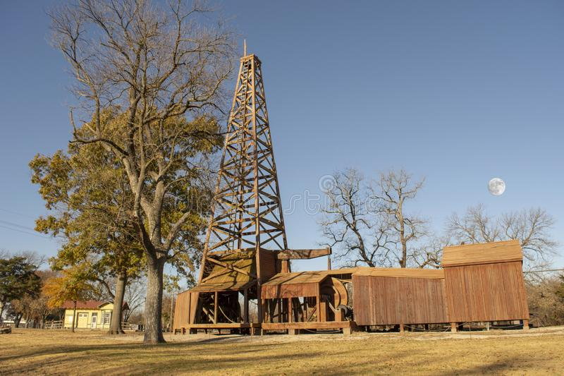 Torre dal 1890 s del pozzo di petrolio fotografia stock