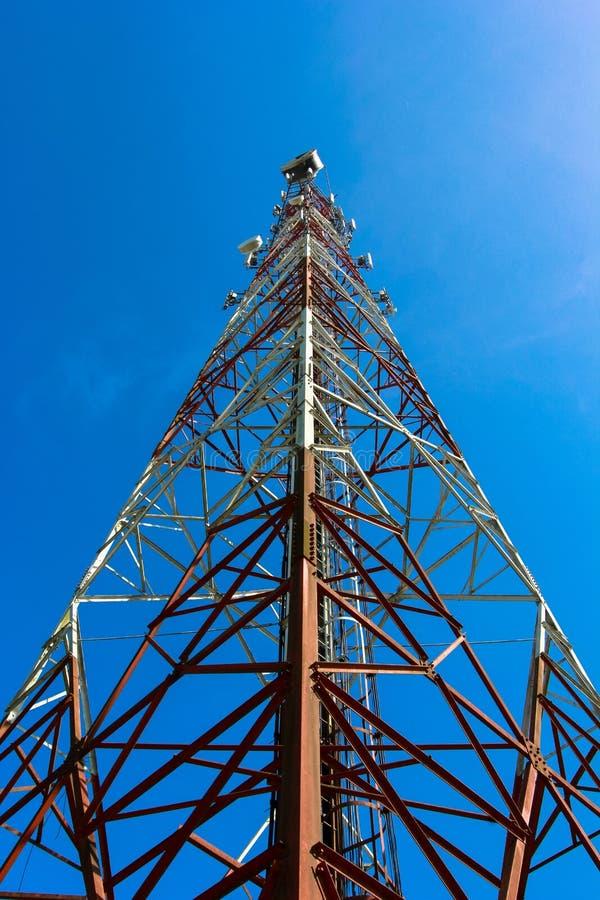 Torre das telecomunicações imagem de stock royalty free