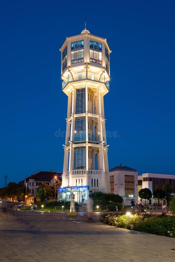 Torre de água de madeira velha em Siofok, Hungria fotografia de stock royalty free
