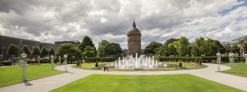 Torre de água em mannheim Alemanha fotos de stock