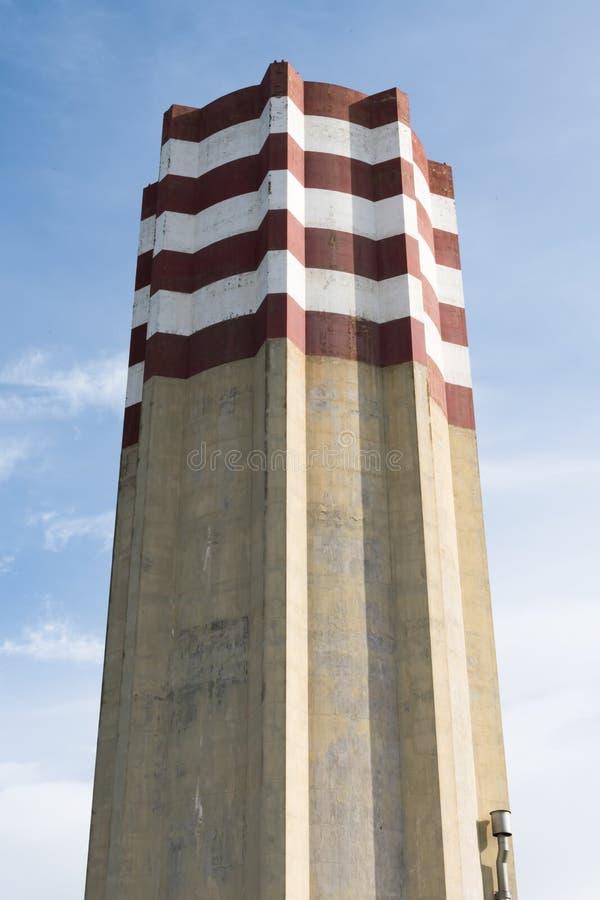 Torre de água moderna em Puglia, Itália, close-up fotos de stock royalty free