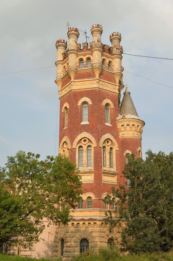 Torre de água no estilo gótico fotos de stock royalty free