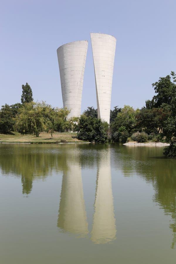 Torre de ?gua no parque Jean Perdrix no Valence foto de stock royalty free