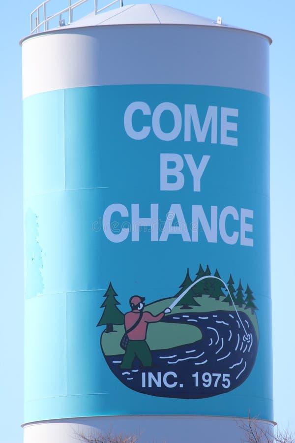 Torre de água no vindo por acaso imagens de stock royalty free