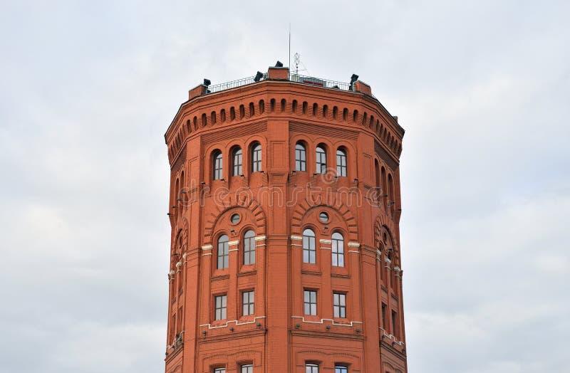 Torre de água velha fotografia de stock