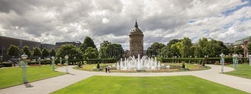 Torre de agua en Mannheim Alemania fotos de archivo