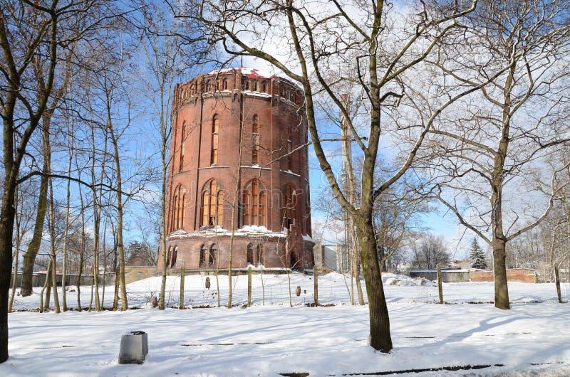 Torre de agua vieja en el invierno Gliwice, Polonia fotografía de archivo libre de regalías