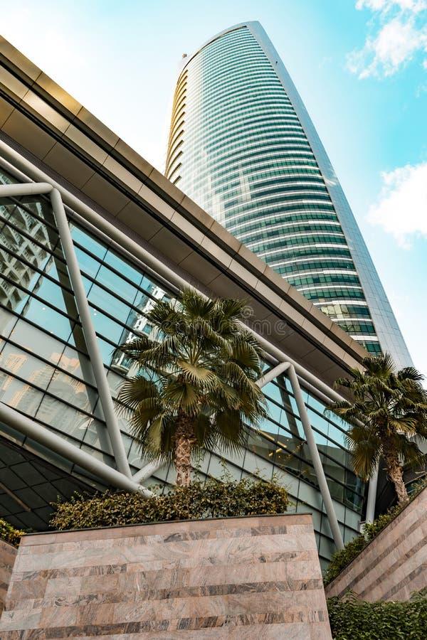 Torre de Almas, JLT, Dubai, emirados - dezembro 2017 fotos de stock royalty free