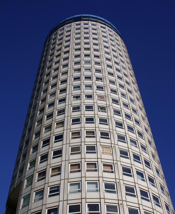 Torre de apartamentos fotografía de archivo libre de regalías