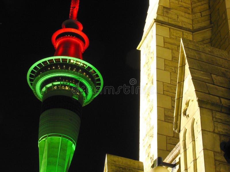 Torre de Auckland na noite imagens de stock