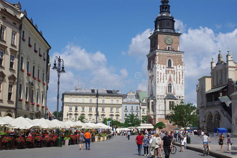 Torre de ayuntamiento en Kraków, Polonia imágenes de archivo libres de regalías