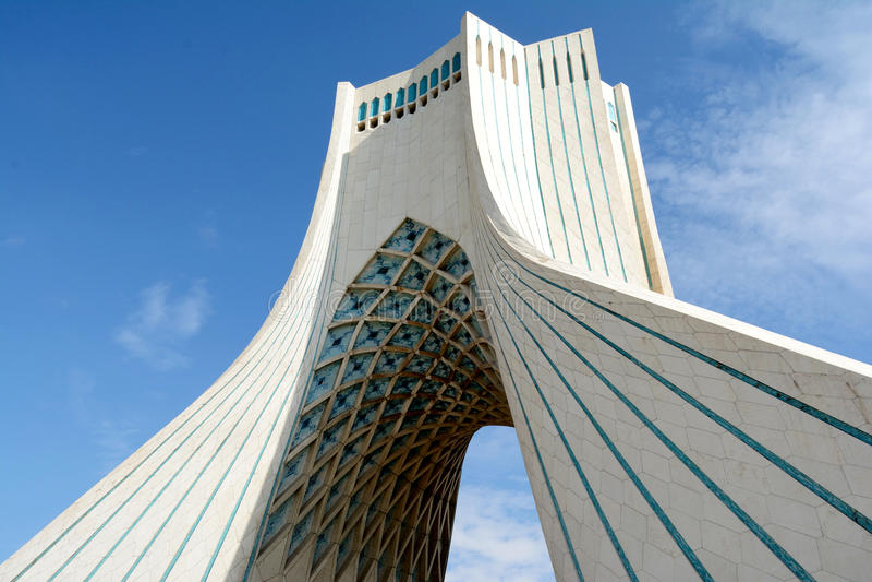 Torre de Azadi em Tehran imagens de stock