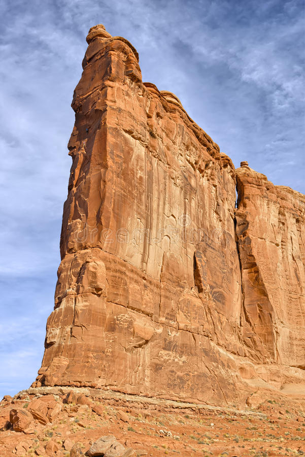 Torre de Babel e de montanhistas fotos de stock